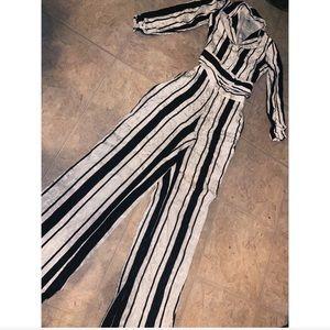 BEBE Jacquard pants and blouse set